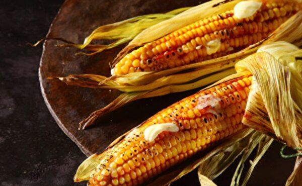 香喷喷烤玉米 烤前一个动作美味升级又健康(组图)