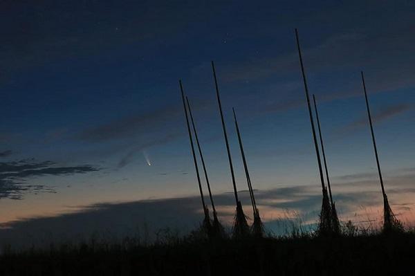 彗星來了!台灣本週天亮前東北方可見