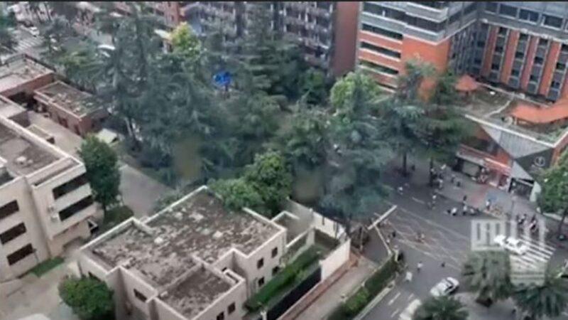中共直播成都美领馆未见烧文件 男子放鞭炮被抓(视频)