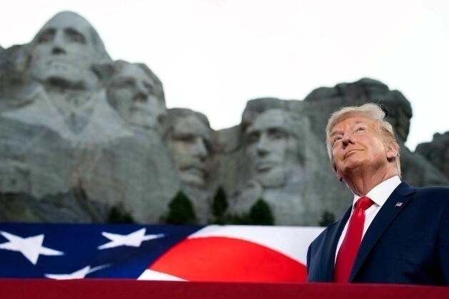 """川普独立日""""总统山""""演讲 获共和党人赞扬"""