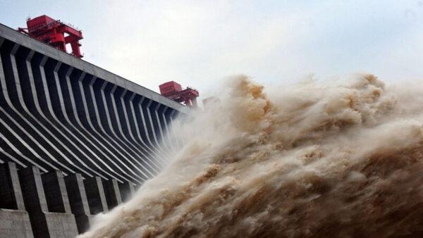 三峡大坝水情监控突停摆6小时 长江中下游危险