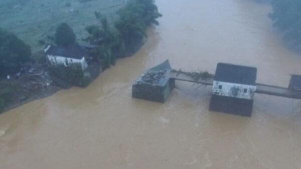 """中国洪灾冲毁上百处古迹 官称""""皮外伤"""""""