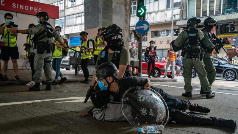 """港警执法原则曝光 呼喊""""时代革命""""可无预警抓捕"""