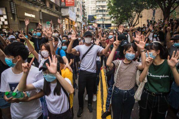 英國明年1月開放香港BNO入境簽證 可攜帶親屬