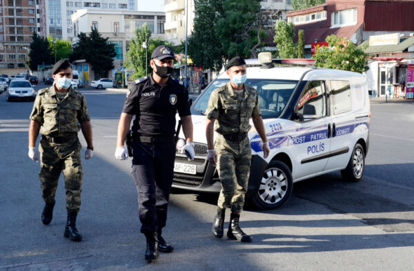 边境爆冲突酿死伤 阿塞拜疆与亚美尼亚互指挑事端