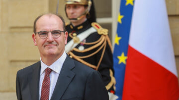 法國更換總理 馬克龍將重組內閣