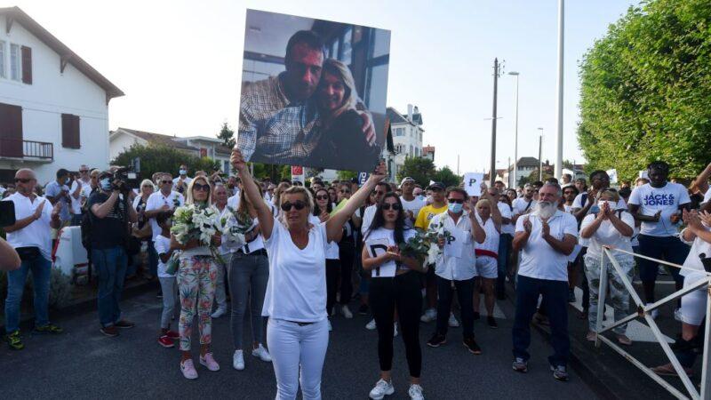 要求乘客戴口罩 法国公车司机遭殴脑死后离世