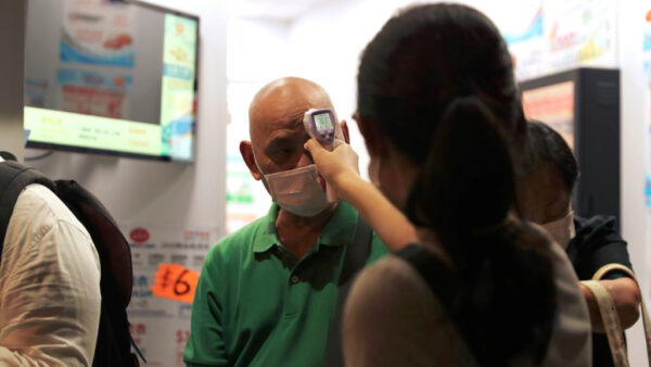 中共病毒現變種 港大醫學院院長:傳播率達1傳4