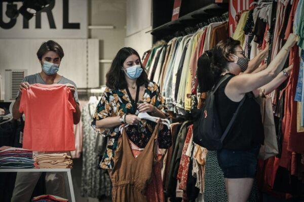 防疫情再爆发 法国室内公共场所强制戴口罩