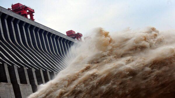 三峽大壩越泡越結實 原子彈轟炸也不怕 你信嗎?