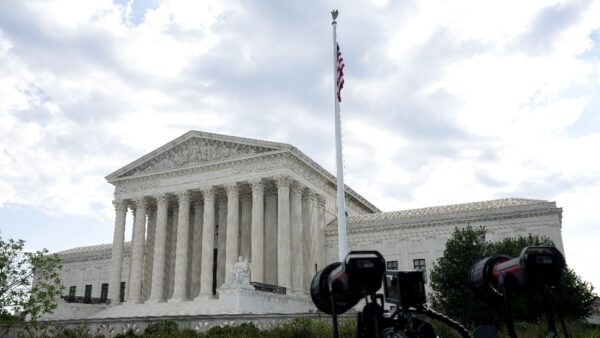 最高法院裁決川普財務案 總統未獲豁免但無需立即提交記錄