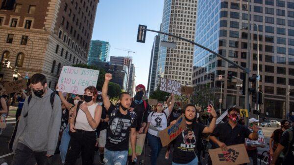 多位左派官员承认 BLM示威或致疫情加重