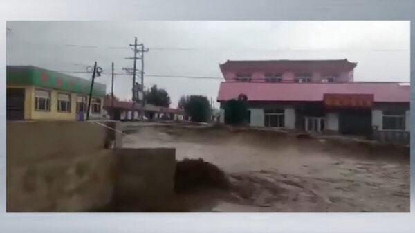 洪災蔓延北方 內蒙赤峰大街急流奔湧(視頻)