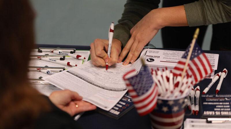 最高法院暂禁佛州前重罪犯投票 或左右摇摆州选情