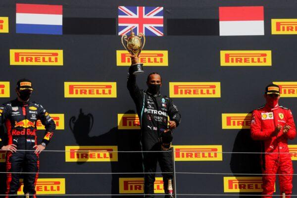 F1英國站:梅奔最後雙爆胎 小漢驚險登頂