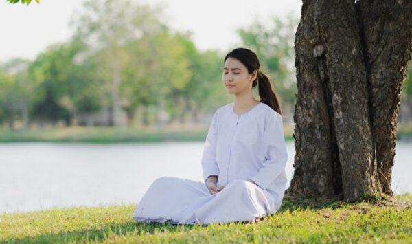 """斯坦福大学冥想研究专家:打坐给你带来四个""""奇迹""""改变"""