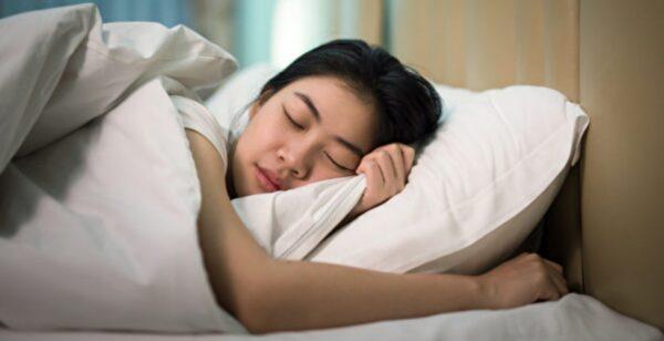 熬夜讓你瘦體素下降 減肥最好的吃睡時間大公開
