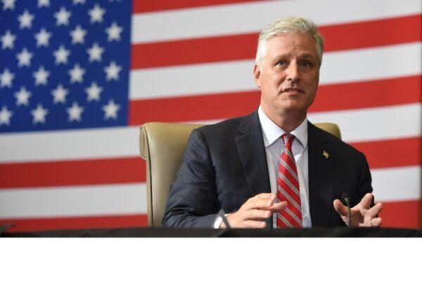 白宮國安顧問警告:外國干擾大選將面臨嚴重後果
