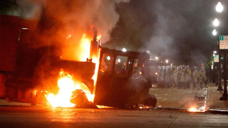 威州BLM骚乱升级 民主党州长求助川普调国民警卫队平乱