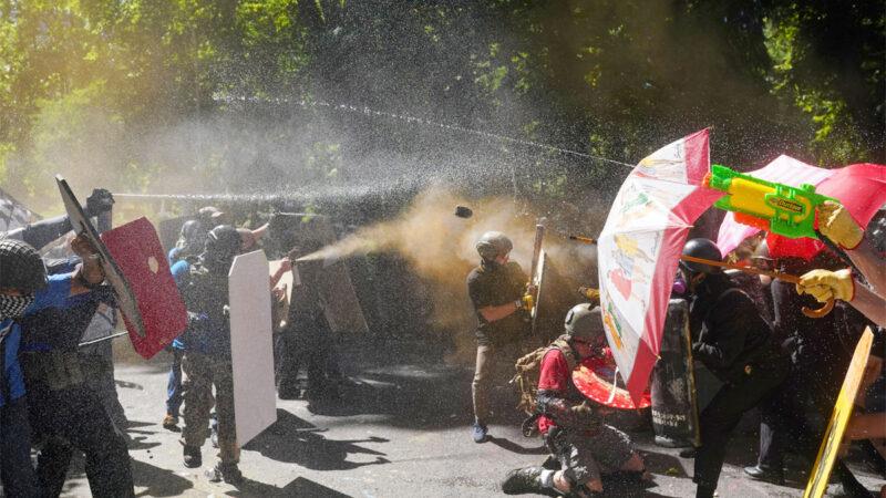 引火燒身?波特蘭極左市長公寓被「黑命貴」暴徒占領