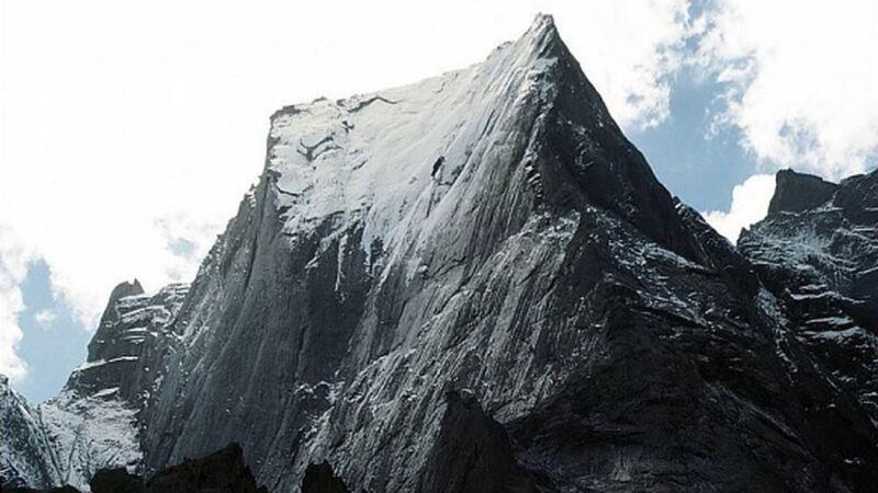 史上最年輕 英國3歲男童攻頂3308米巴迪萊峰