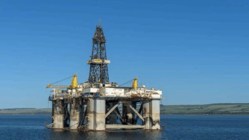 墨西哥灣57.6%石油設施因雙颶風停產 國際油價上揚