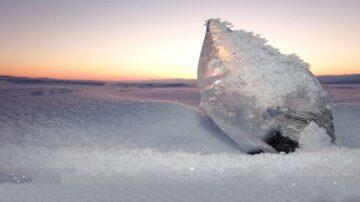 奇寒令20幾萬人一夜間被冰封?