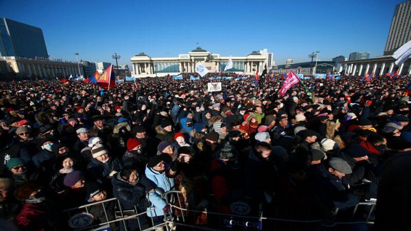 内蒙民众反汉语 警察拒镇压