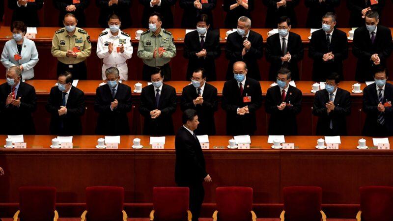 中国富豪悄悄移民 人大、政协名单曝光