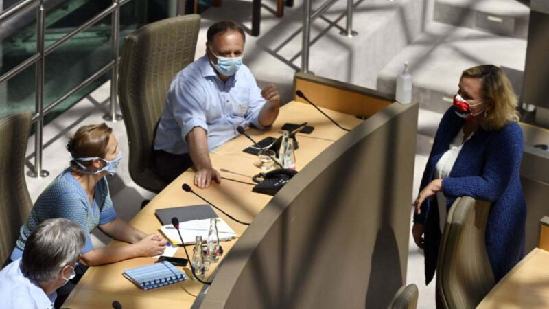 荷蘭比利時也現二次感染  專家:再感染恐成常態