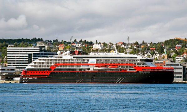 挪威疫情復燃 36名郵輪船員檢測呈陽性