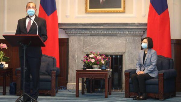 阿札爾會見蔡英文 傳達川普對台強力支持