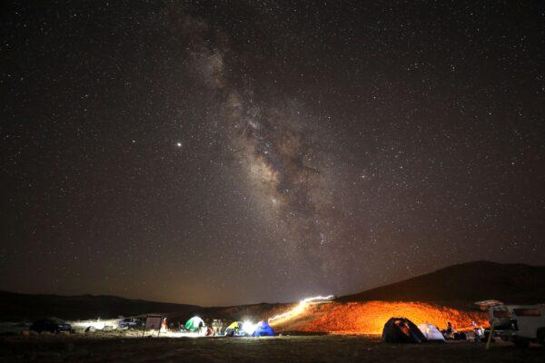 【重播】英仙座流星雨高密度光临地球
