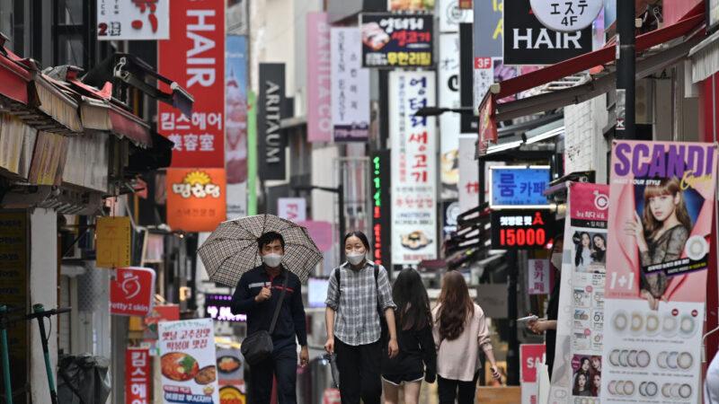 韩染疫持续增加 首尔禁店内用餐 公共场所须戴口罩