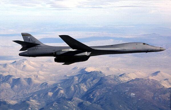 警告中朝 美軍6架轟炸機罕見飛臨朝鮮半島