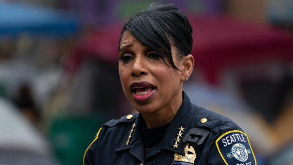 市議會批准削減警方資金 西雅圖警察局長辭職
