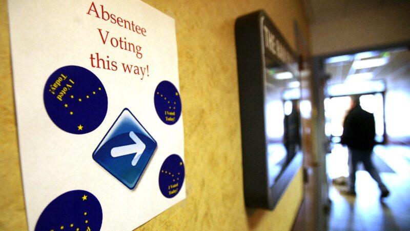 法官废止艾奥瓦5万缺席选票 预填信息违反选举法