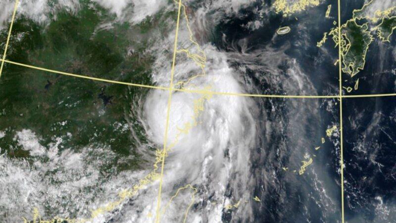 """台风""""哈格比""""登陆浙江 近40万人紧急撤离"""