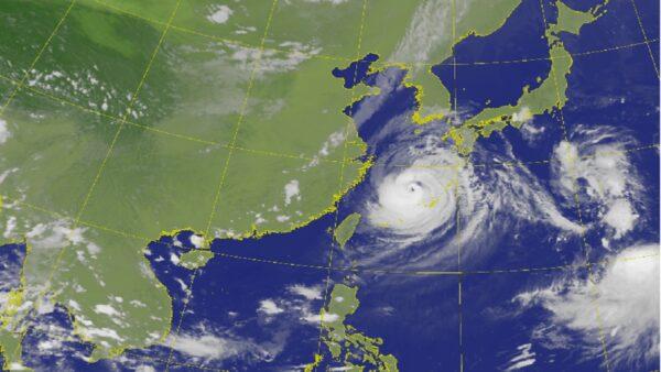 颱風梅莎過境沖繩5人傷 以非常強烈威力接近九州