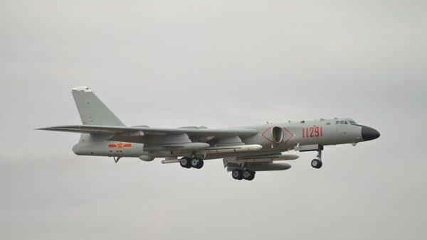 拜登剛上任 中共派12軍機大規模擾台