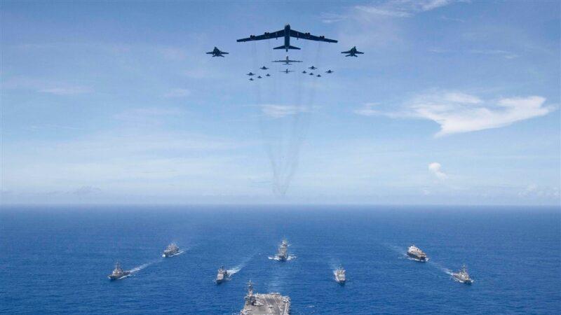 美军勇敢之盾军演 里根航母与上百架战机参与