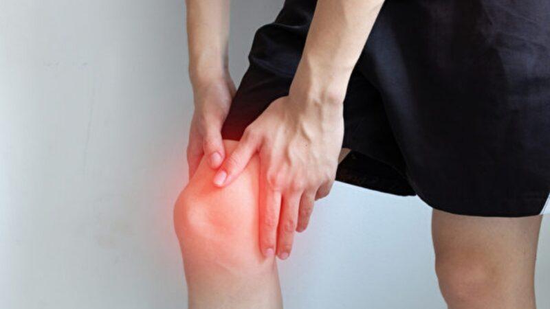 膝蓋痛不一定是關節炎?有1症狀恐是腱鞘巨細胞瘤