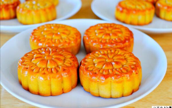 【美食天堂】紅蓮蓉月餅的做法~中秋節快樂!家常料理食譜 一學就會