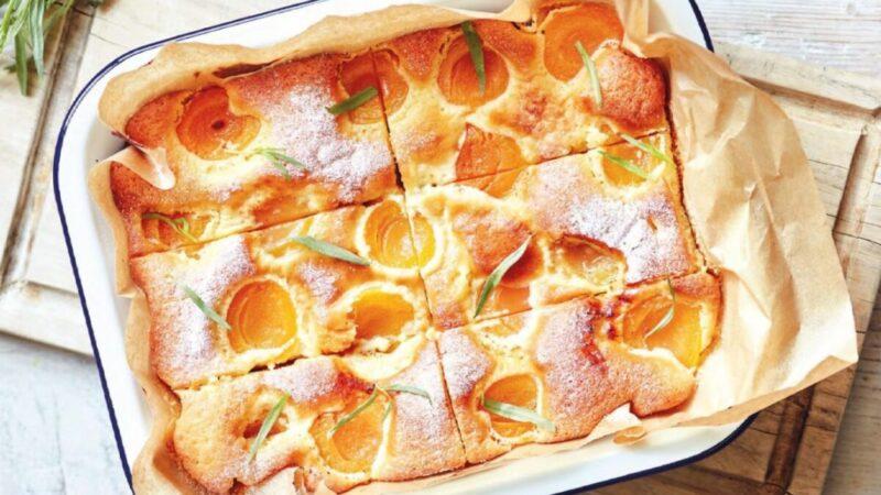 杏子酸奶蛋糕 各种新鲜水果完美搭配(组图)