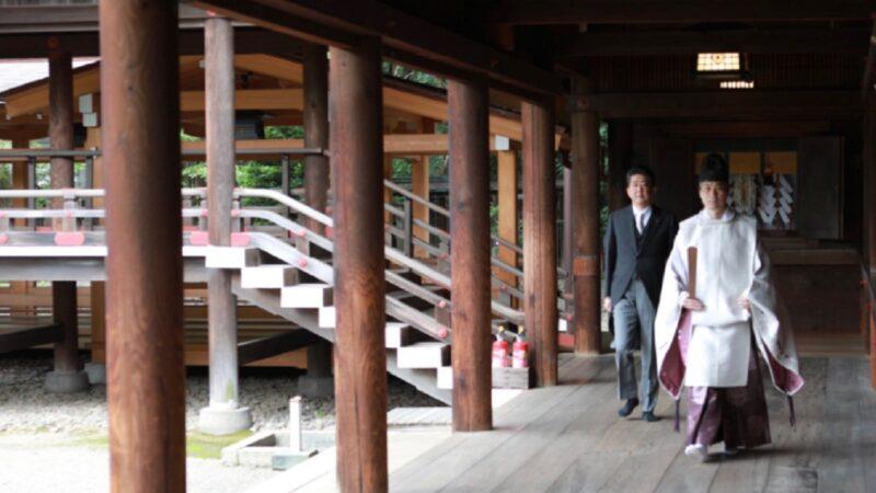 時隔近7年 安倍卸任首相再度參拜靖國神社