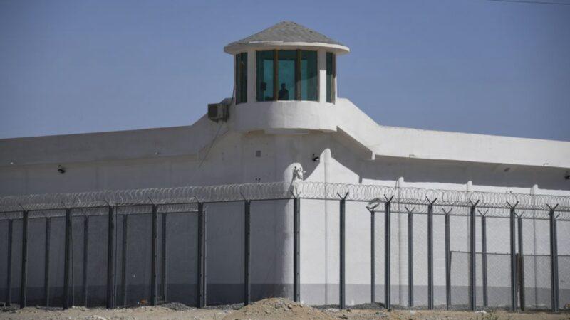 外媒:新疆法轮功学员被关押在集中营