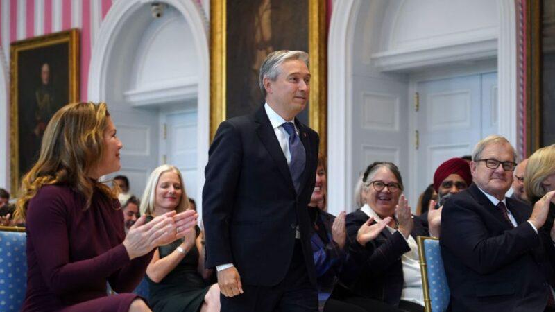 """加拿大外长:和中共达成自贸协定""""不值得"""""""