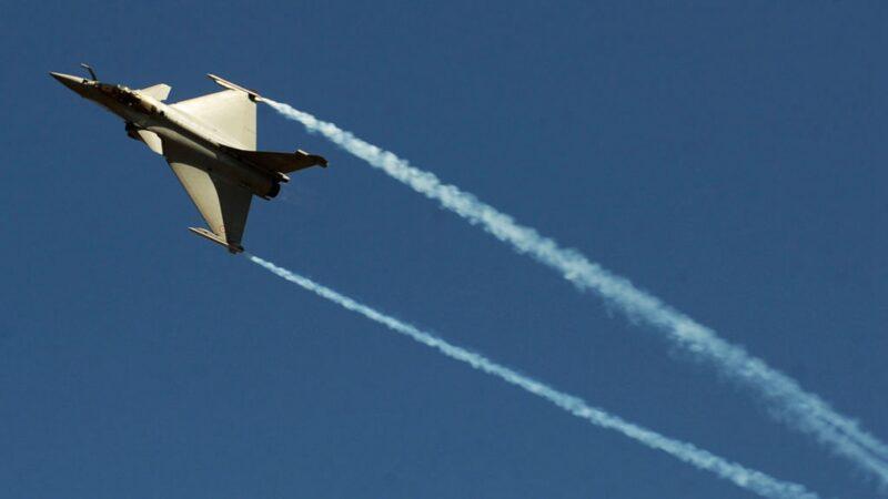 印度飙风战机亮相