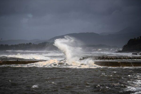 強颱海神襲日本九州 過境韓國晚間進入大陸東北