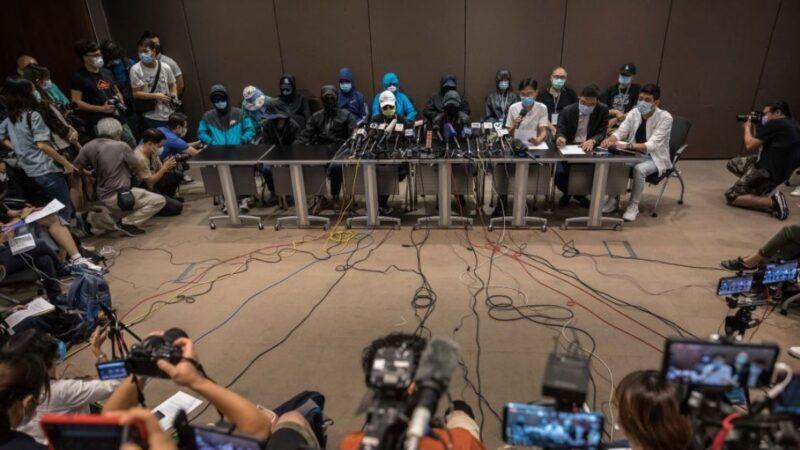 中共正式刑拘12港人 律師家屬無法見面